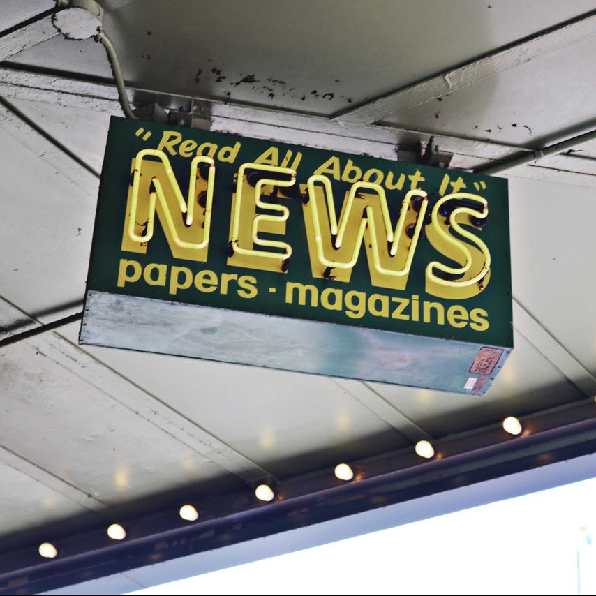 Sign: NEWS | Read All About It | Papers Magazines | Photo by Madison Inouye from Pexels
